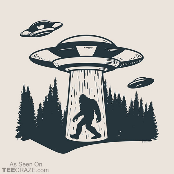 Alien UFO Abduction Of Bigfoot T-Shirt